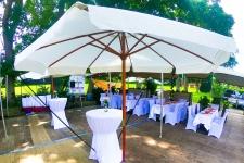 thumb_wedding-garden-oldenburg-aussenbereich-mit-schirmen-2