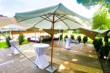 thumb_wedding-garden-oldenburg-aussenbereich-mit-schirmen